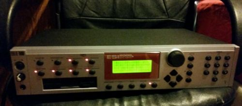 E-MU ESI2000 Digital Sampler Model 6230 4 MB 《《Very Nice!》》